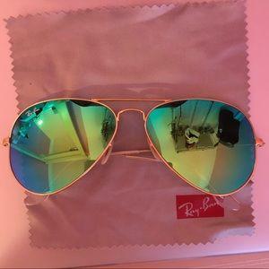 Ray-Ban Aviator Mirrored Sunglasses in Blue
